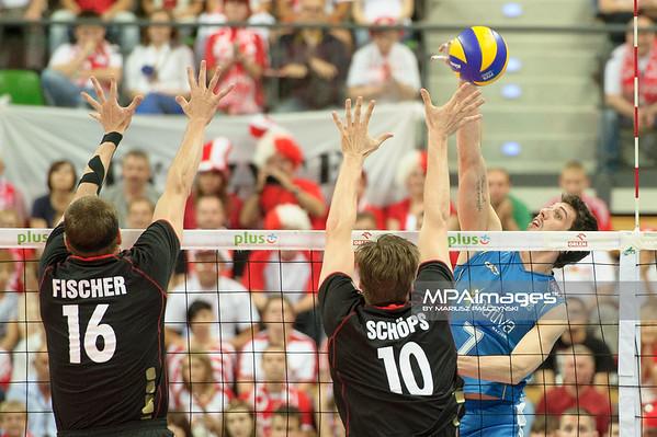 20.07.2012 - Zielona Gora , siatkowka , Memorial Huberta Wagnera 2012 , Niemcy (czarne) - Argentyna (niebieskie)  N/Z Facundo Conte  Fot. Mariusz Palczynski / MPAimages.com