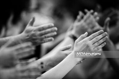 10.03.2013 - Belchatow , Hala Energia , siatkowka ,  PlusLiga , Play Off , PGE Skra Belchatow (zolte) - Lotos Trefl Gdansk (czarne)  N/Z Kibice  Fot. Mariusz Palczynski / MPAimages.com