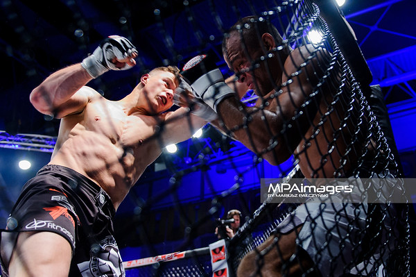 2013.05.24 Belchatow, Hala Energia , MMA Fighters Arena 8 N/Z Damian Milewski , Vitor Nobrega  Fot. Mariusz Palczynski / MPAimages.com