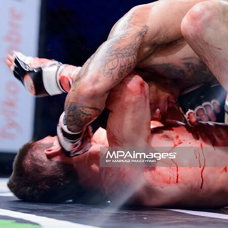 2013.05.24 Belchatow, Hala Energia , MMA Fighters Arena 8 N/Z Mateusz Strzelczyk , Mateusz Kalinarczyk  Fot. Mariusz Palczynski / MPAimages.com