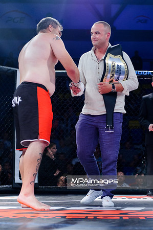 2013.05.24 Belchatow, Hala Energia , MMA Fighters Arena 8 N/Z D.J. Linderman  Fot. Mariusz Palczynski / MPAimages.com