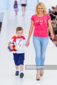 """23.06.2013 - Warszawa , Warsaw Fashion Street 2013 , Akcja """"Spełnionych Marzeń"""" na Fashion Children Show  N/Z Anna Samusionek  Fot. Mariusz Palczynski / MPAimages.com"""