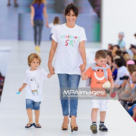 """23.06.2013 - Warszawa , Warsaw Fashion Street 2013 , Akcja """"Spełnionych Marzeń"""" na Fashion Children Show  N/Z Anna Korcz  Fot. Mariusz Palczynski / MPAimages.com"""
