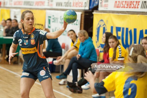 02.02.2014 , Kielce , pilka reczna , II liga kobiet , Korona Handball Kielce (granatowe) ChKS Lodz (zolte)  N/Z Kornelia Czubaj  Fot. Karol Bartnik / MPAimages.com