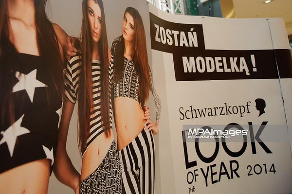 12.04.2014 , Czestochowa , Galeria Jurajska , casting do konkursu The Look Of The Year  N/Z Baner reklamowy fot. Karol Bartnik / MPAimages.com