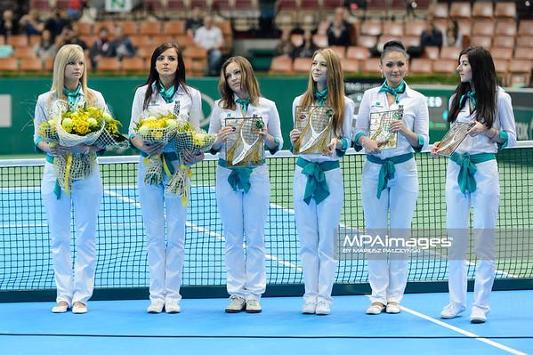 13.04.2014 - Katowice , Spodek ,  BNP Paribas Katowice Open , Dekoracja Debel  N/Z Dziewczyny BNP Paribas  Fot. Mariusz Palczynski / MPAimages.com