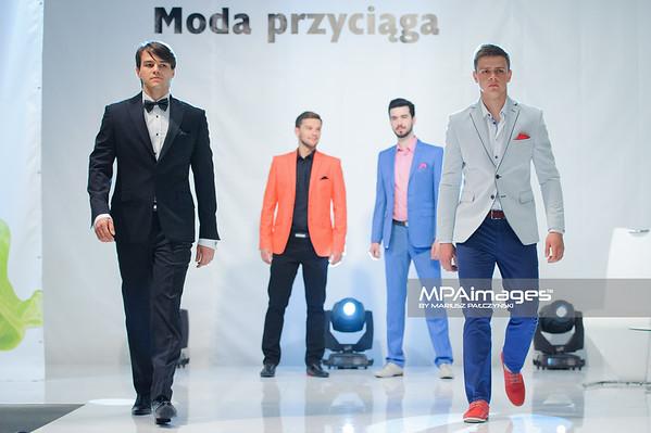 13.04.2014 , Czestochowa , Galeria Jurajska , Wiosenny pokaz mody. N/Z Pokaz Giacomo Conti , Kazar fot. Karol Bartnik / MPAimages.com