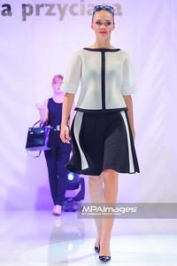 13.04.2014 , Czestochowa , Galeria Jurajska , Wiosenny pokaz mody. N/Z Pokaz Simple , Pandora fot. Karol Bartnik / MPAimages.com