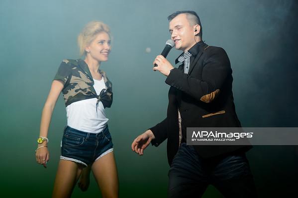 2014.07.26 - Ryjewo , 5 Festiwal Disco Bandzo Ryjewo 2014 Koncert Damiana Banasiaka  N/Z Paulina Zgoda , Damian Banasiak  Fot. Mariusz Palczynski / MPAimages.com