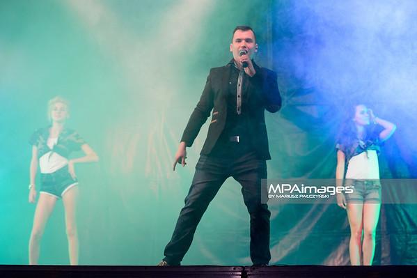 2014.07.26 - Ryjewo , 5 Festiwal Disco Bandzo Ryjewo 2014 Koncert Damiana Banasiaka  N/Z Paulina Zgoda , Damian Banasiak , Izabella Banasiak  Fot. Mariusz Palczynski / MPAimages.com