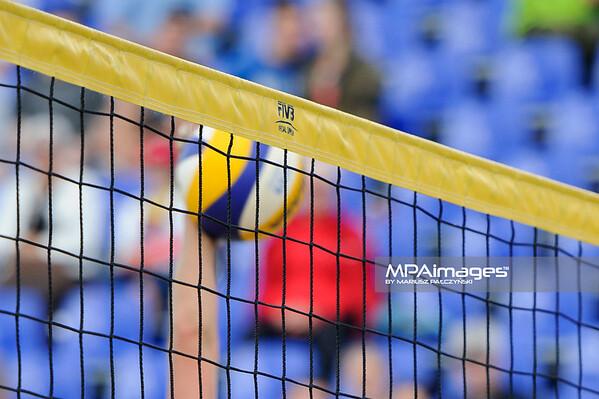 19.08.2014 - Stare Jablonki , siatkowka plazowa , beach volleyball , World Tour , FIVB Stare Jablonki Grand Slam 2014 , Niemcy (niebieskie-niebieskie) - Norwegia (niebieskie-rozowe) , Germany (blue-blue) - Norway (blue-pink) N/Z Siatka Fot. Karol Bartnik / MPAimages.com