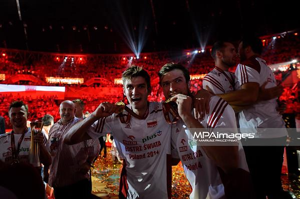 21.09.2014 - Katowice , Spodek , siatkowka , Mistrzostwa Swiata 2014 , dekoracja , FIVB Men's World Championship , decoration N/Z Karol Klos , Andrzej Wrona Fot. Karol Bartnik / MPAimages.com