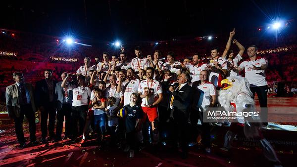 21.09.2014 - Katowice , Spodek , siatkowka , Mistrzostwa Swiata 2014 , dekoracja , FIVB Men's World Championship , decoration N/Z Polska Fot. Karol Bartnik / MPAimages.com