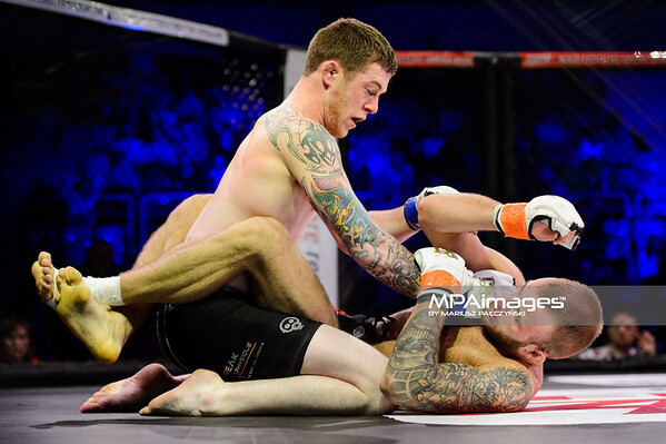2014.11.22 - Belchatow, Hala Energia , MMA Fighters Arena 10  N/Z Alan Philpott , Damian Szmigielski  Fot. Mariusz Palczynski / MPAimages.com