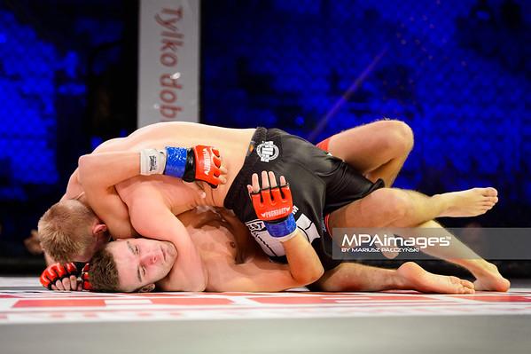 2014.11.22 - Belchatow, Hala Energia , MMA Fighters Arena 10  N/Z Daniel Dziubecki , Sebastian Brzezicki  Fot. Mariusz Palczynski / MPAimages.com