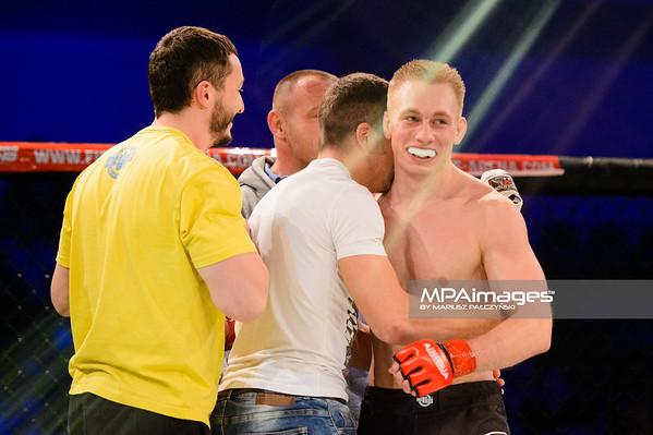 2014.11.22 - Belchatow, Hala Energia , MMA Fighters Arena 10  N/Z Daniel Dziubecki  Fot. Mariusz Palczynski / MPAimages.com