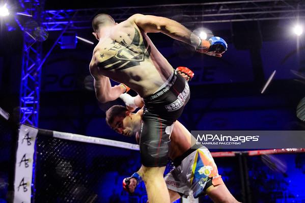 2014.11.22 - Belchatow, Hala Energia , MMA Fighters Arena 10  N/Z Artem Lobov , Pawel Kielek  Fot. Mariusz Palczynski / MPAimages.com