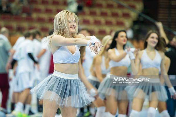 28.12.2014 - Katowice , Spodek , pilka reczna , Christmas Cup , Czechy (czerwone) - Wegry (biale)  N/Z Cheerleaders Ergo Slask Fot. Karol Bartnik / MPAimages.com