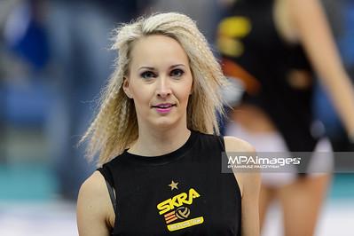 03.01.2015 - Belchatow , Hala Energia , siatkowka , PlusLiga , PGE Skra Belchatow (zolte) - AZS Olsztyn (zielone)  N/Z Cheerleaders Belchatow  Fot. Mariusz Palczynski / MPAimages.com