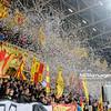 22.02.2015 - Kielce , Kolporter Arena , pilka nozna , T-Mobile Ekstraklasa , Korona Kielce (zolto-czerwone) - Legia Warszawa (biale)  N/Z Kibice Korony Kielce Fot. Karol Bartnik / MPAimages.com