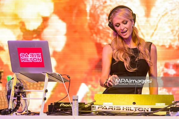 28.08.2015 - Rzgow , Ptak EXPO , Ptak Fashion City , Fashion Week Poland  N/Z Dj Set Paris Hilton  Fot. Mariusz Palczynski / MPAimages.com