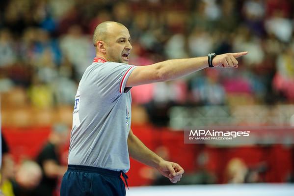 15.01.2016 - Katowice , Spodek , pilka reczna , EHF Euro 2016 , Chorwacja  (niebieskie) - Bialorus (zielone)  N/Z Zelijko Babic Fot. Karol Bartnik / MPAimages.com