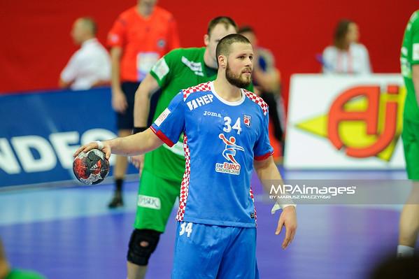 15.01.2016 - Katowice , Spodek , pilka reczna , EHF Euro 2016 , Chorwacja  (niebieskie) - Bialorus (zielone)  N/Z Ilija Brozovic Fot. Karol Bartnik / MPAimages.com