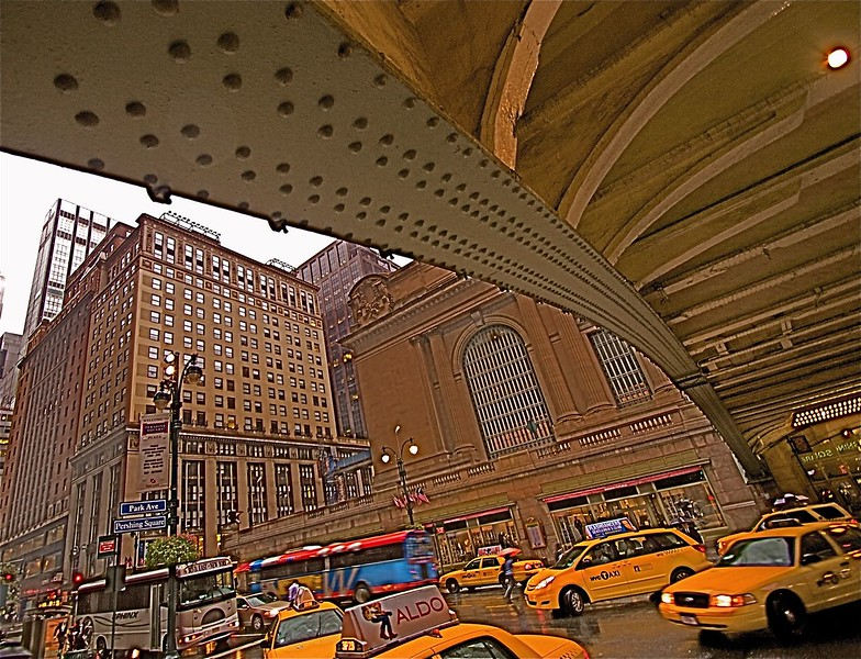 GRAND CENTRAL OUTSIDE
