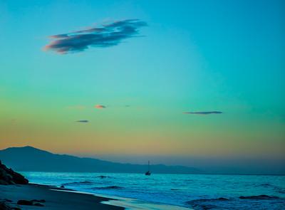 PACIFIC OCEAN IN MOTION 4