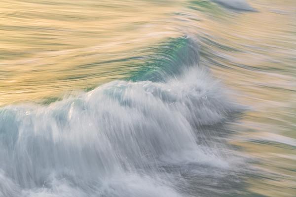 OCEAN IN MOTION    2