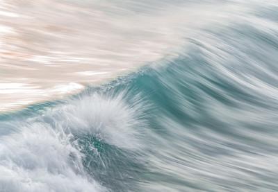 OCEAN IN MOTION    10