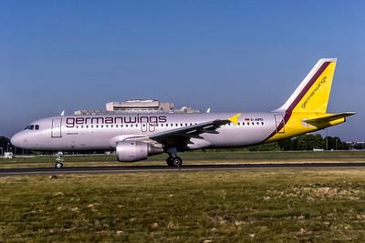 Germanwings, D-AIPD, Airbus A320-211, msn 72, Photo by David Birthwell, Image T147LGDB