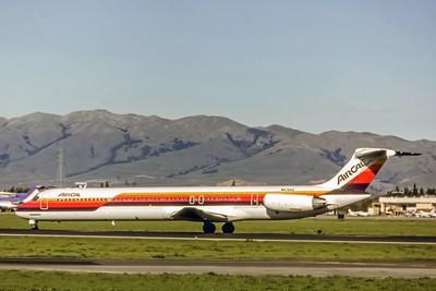 Air Cal, N476AC, McDonnell Douglas MD-81, msn 48028, Photo by Dean Slaybaugh, Image D022LGDH
