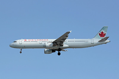 Air Canada, C-GITU, Airbus A321-211, msn 1602, Photo by John A. Miller, TPA, Image TA005LAJM