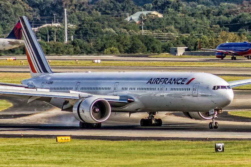 Air France, F-GZNR, Boeing 777-328(ER), msn 44553, Photo by John A Miller, ATL, Image PP046RGJM