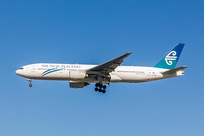 Air New Zealand, ZK-OKA, Boeing 777-219(ER), msn 29404, Photo by John A Miller, LAX, Image PP033LAJM