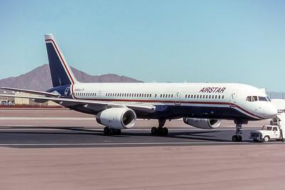 AIRSTAR, N250LA, Boeing 757-23A, msn 24291, Photo by Frank Woldorf, Image N023RGFW