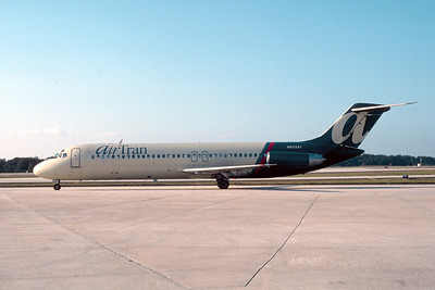 AirTran, N825AT, Douglas DC-9-32, msn 47319, TPA, Photo by John A. Miller, Image: C098LGJM