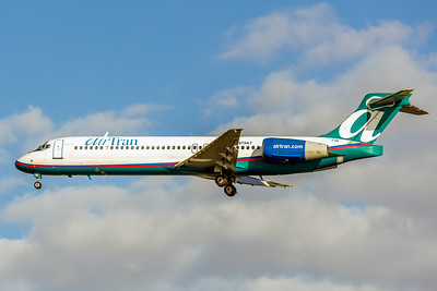 AirTran Airways, N979AT, Boeing 717-2BD, msn 55038, Photo by John A Miller, TPA, Image ZZ008LAJM