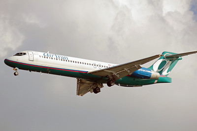 Airtran Airways, N895AT, Boeing 717-2BD, msn 55047, Photo by John A. Miller, TPA, Image ZZ015LAJM