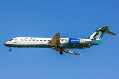 Airtran Airways, N923AT, Boeing 717-2BD, msn 55051, Photo by John A. Miller, TPA, Image ZZ014LAJM