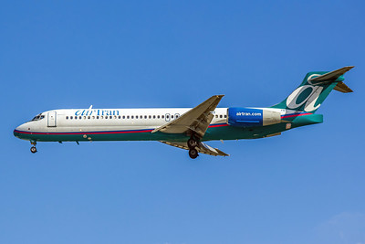 Airtran Airways, N943AT, Boeing 717-2BD, msn 55006, Photo by John A. Miller, TPA Image ZZ004LAJM