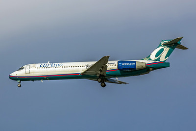 AirTran Airways,N958AT,Boeing 717-2BD,msn 55020,Photo by John A Miller, TPA,Image ZZ010LAJM