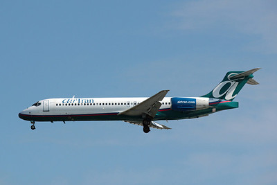 Airtran Airways, N927AT, Boeing 717-231, msn 55077, Photo by John A. Miller, TPA Image ZZ016LAJM