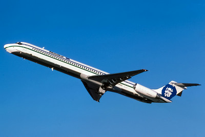 Alaska Airlines, N934AS, McDonnell Douglas MD-83, msn 49235, Photo by Adrian Smith, Image D027LAAS