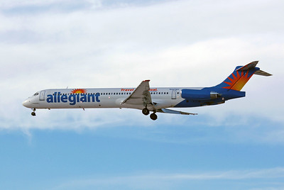 Allegiant Airlines, N427NV, McDonnell Douglas MD-83, msn 49436, Photo by John A. Miller, LAS, Image D045LAJM