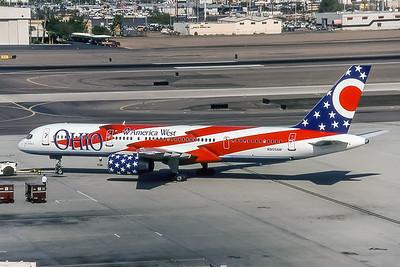 America West Airlines, N905AW, Boeing 757-2S7, msn 23567, Photo by Brian Peters, Image N043LGBP