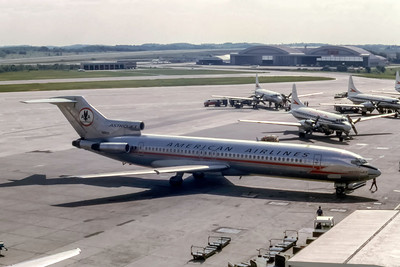 American Airlines, N6822, Boeing 727-223, msn 19700, Photo by Photo Enrichments Collection, Image I230RGSP