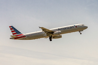 American Airlines, N922US, Airbus A321-231, msn 6537, Photo by John A Miller, TPA, Image TA024RAJM
