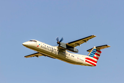 American Eagle (Piedmont Airlines), N330EN, De Havilland DHC-8-311 Dash 8, msn 274, Photo by John A Miller, CLT, Image Q002LAJM